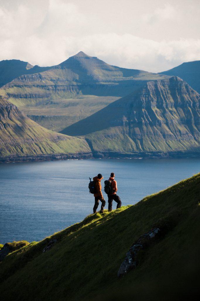 Hiking in the Faroe Islands Chris Riefenberg - @chrisriefenberg  MYNDA BRÚK: frítt